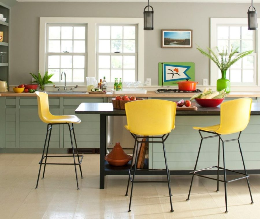 View in gallery Accent color for kitchen bar stools 900x761 40 Accent Color  Combinations To Get Your Home Decor