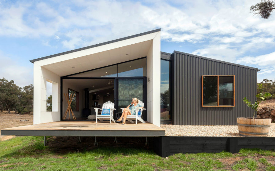 40 prefabricated homes of every size and shape for Small modern homes for sale