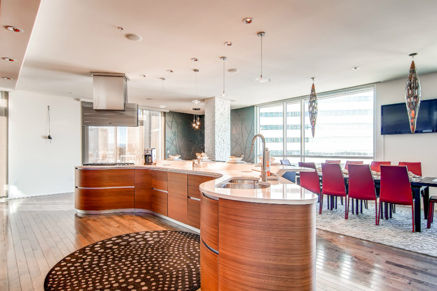 Curvy kitchen island