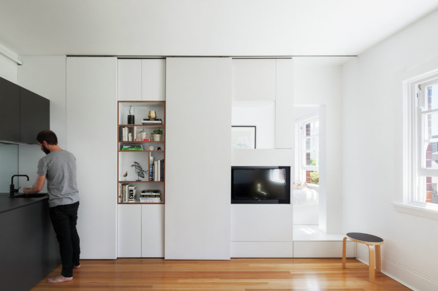 Darlinghurst Apartment by Brad Swartz Architect 900x597 Retractable Walls for Flexible Living