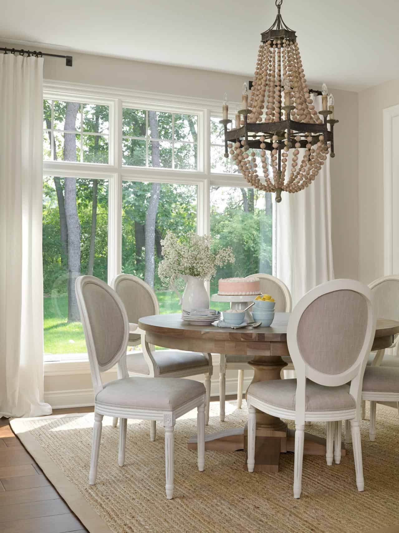 Girlish Breakfast Nook