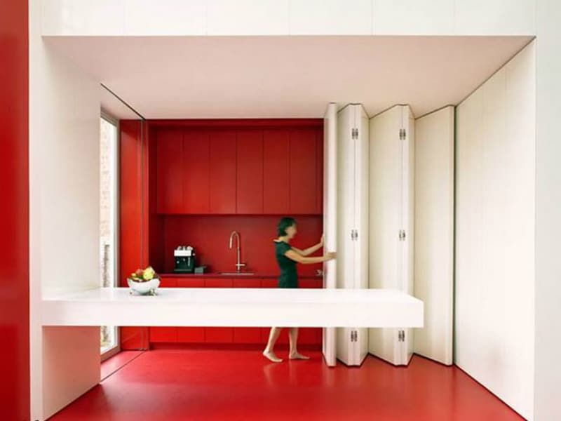 Retractable walls for flexible living - Cucina piccolissima ...