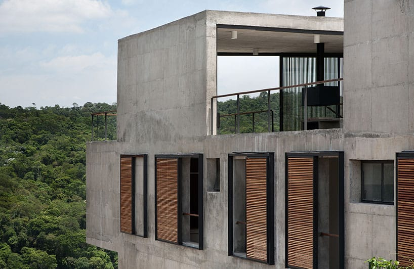 view in gallery itahye residence by apiacas arquitetos - Modern Home Exterior Wood