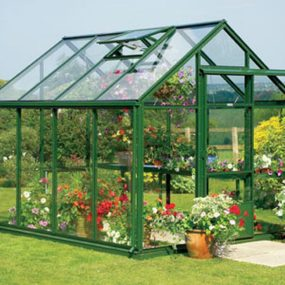 Mini Greenhouse 285x285 Outdoor Summer Decor: Beautifying Your Space