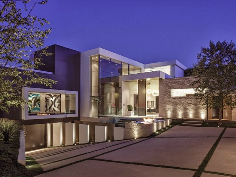 22 outstanding modern mansions for luxury living for Modern mansion