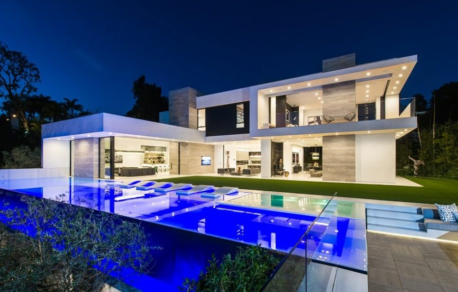 22 outstanding modern mansions for luxury living for How to buy a house in los angeles