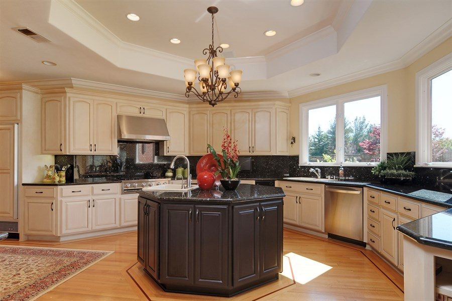 View In Gallery Octagonal Kitchen