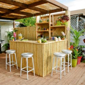 https://cdn.trendir.com/wp-content/uploads/2016/06/Pergola-Tikki-Bar-285x285.jpeg