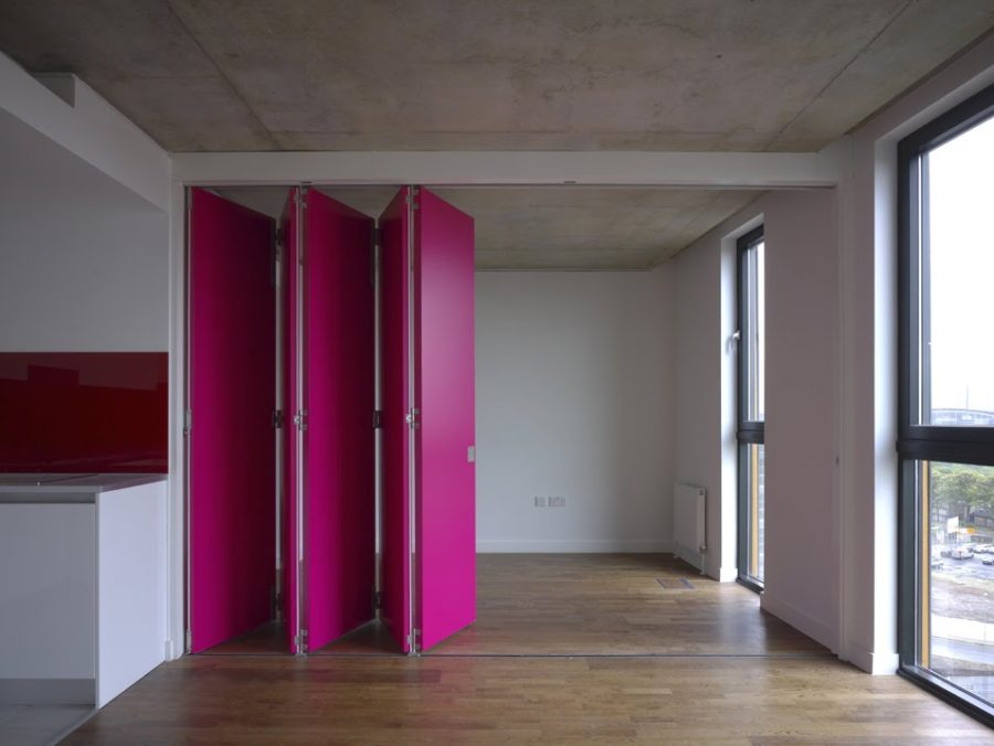 Retractable magenta wall