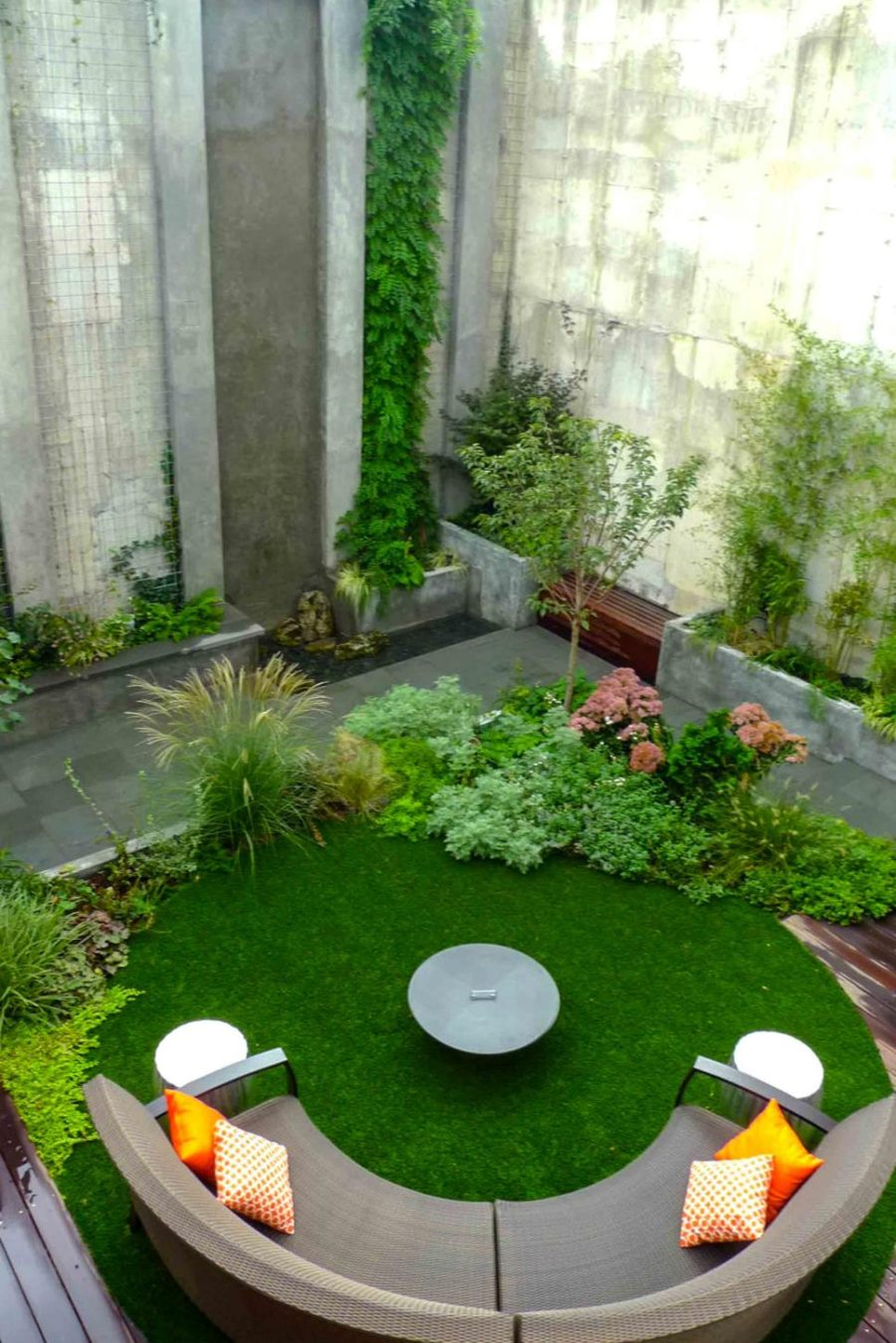 Modern garden designs for great and small outdoors for Modern garden design