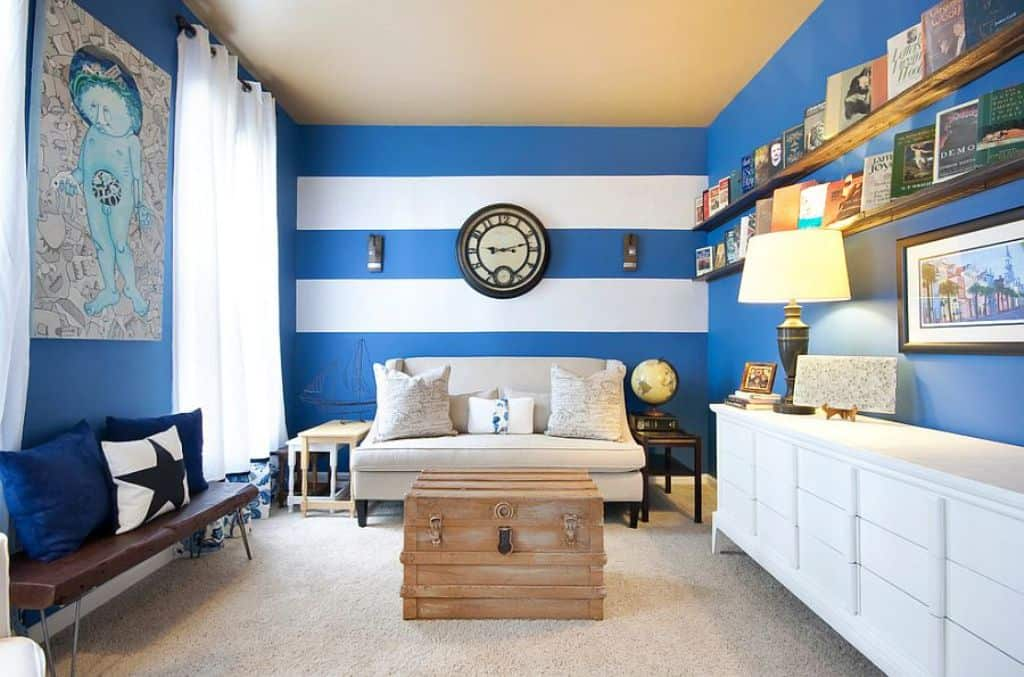 Royal blue and white accent colors