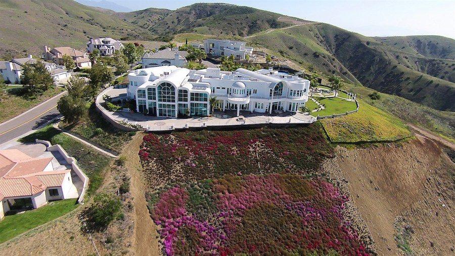 Modern Satsang mansion in Yorba Linda, California