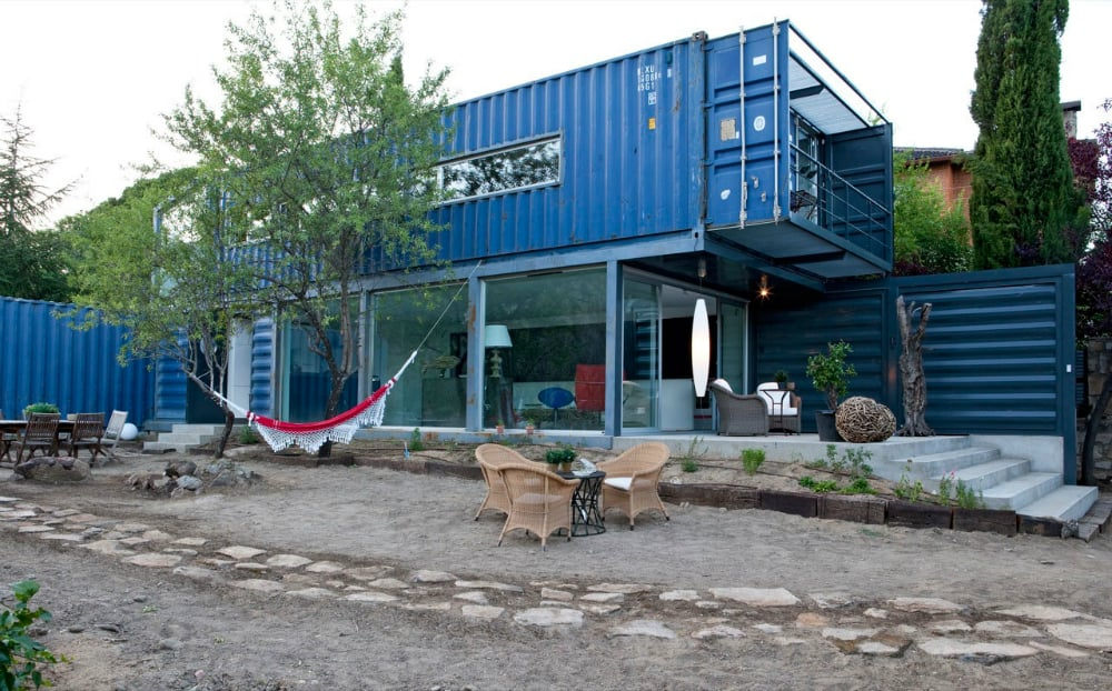 Shipping Container House in El Tiemblo by James & Mau Arquitectura