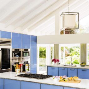 Wedgwood blue tempered glass cabinets with quartz countertops 285x285 Whats Cooking: Kitchen Colors