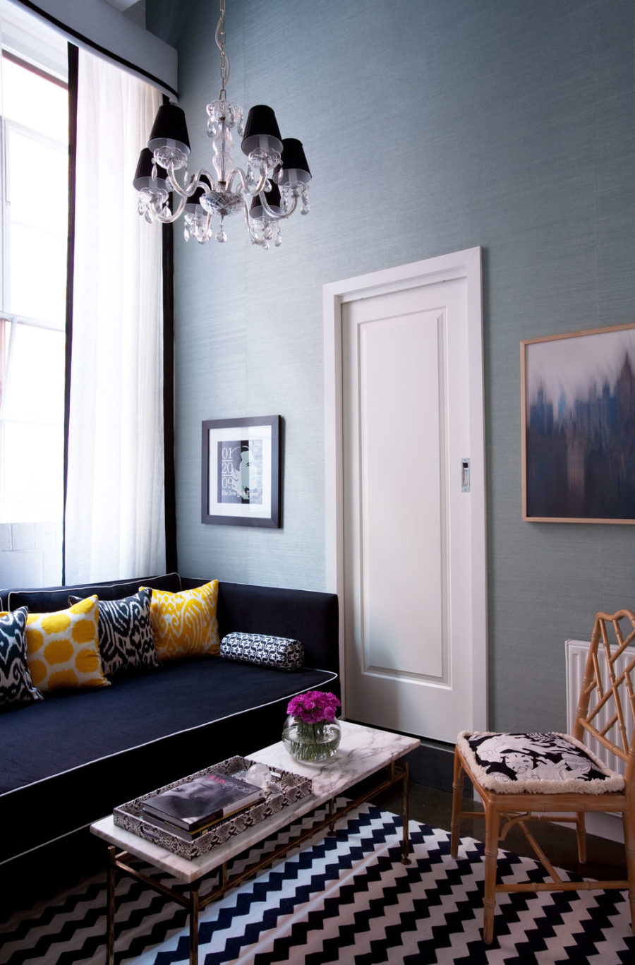 40 accent color combinations to get your home decor wheels turning Black white blue living room