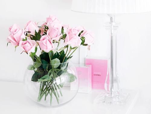 pink roses desk