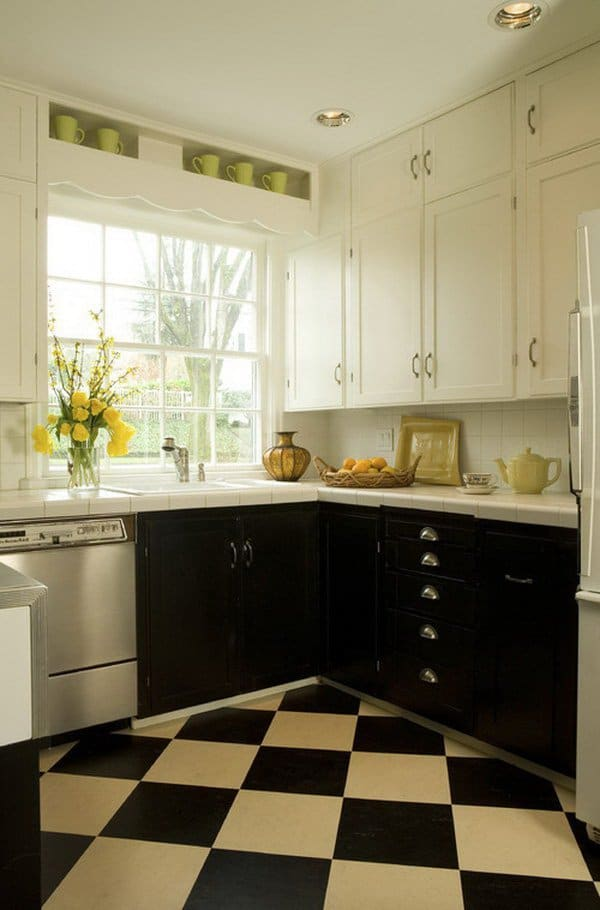 View In Gallery 12 Two Tone Kitchen Cabinets. Black And White ...