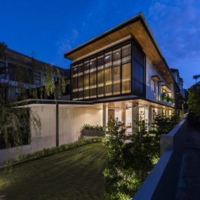 This 30 Year-Old Modernized House in Singapore Looks Like New