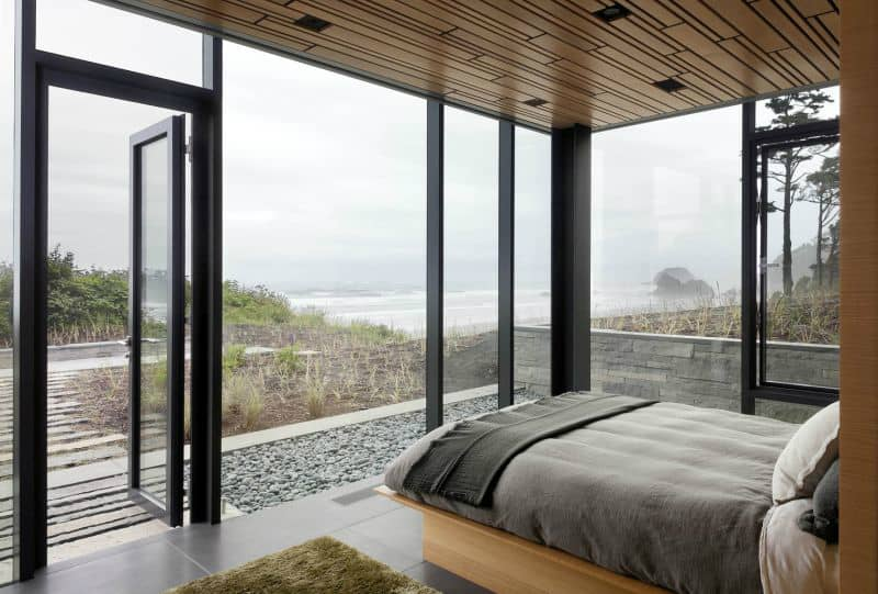 Bedroom is fully open to the sea