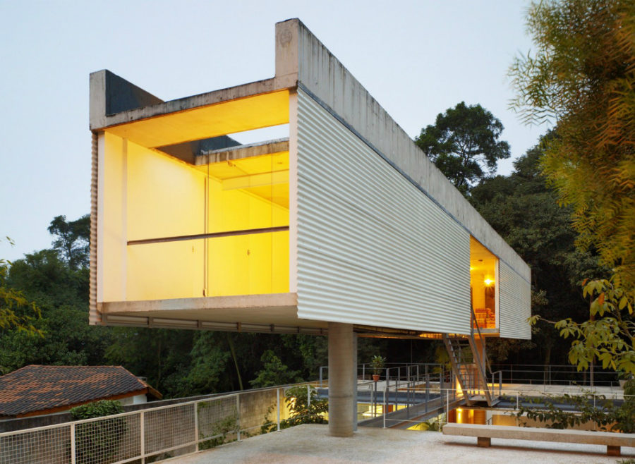 Carapicuiba House by Angelo Bucci + Alvaro Puntoni