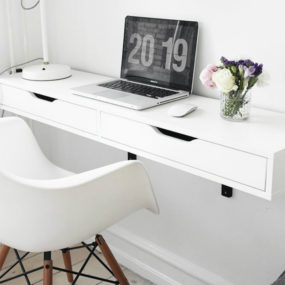But Wall Mounted Desks Aren T Just For Small Es In Ious Modern Homes Their Sleek And Minimal Look Is Valued Way Over Bulky Furniture Pieces