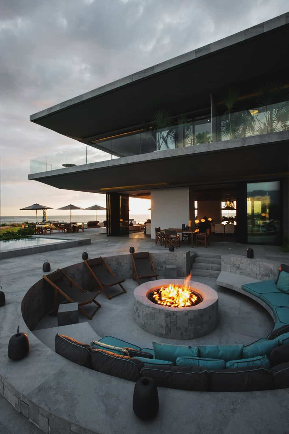 Fire pit at Private Residence by Ezequiel Farca