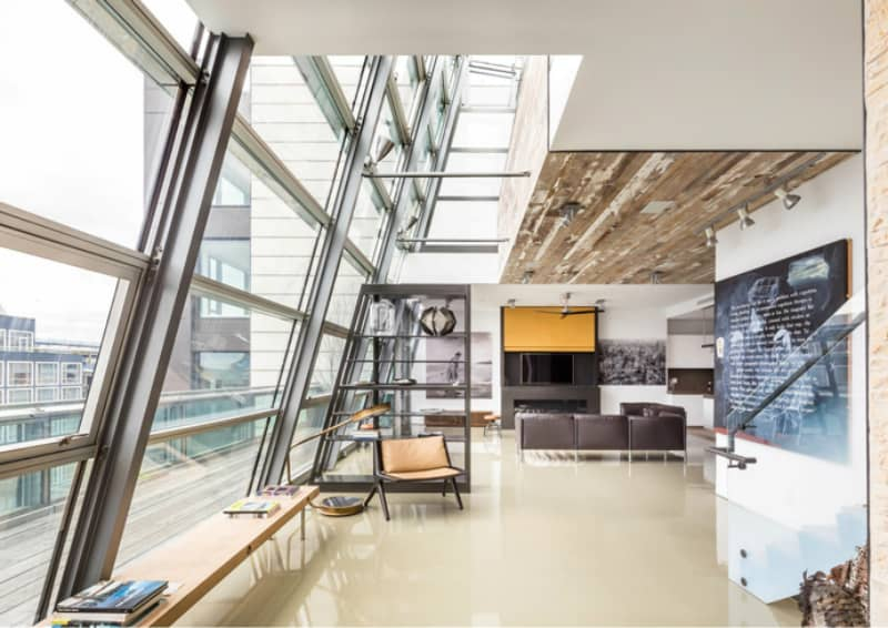 Glass duplex penthouse in New York