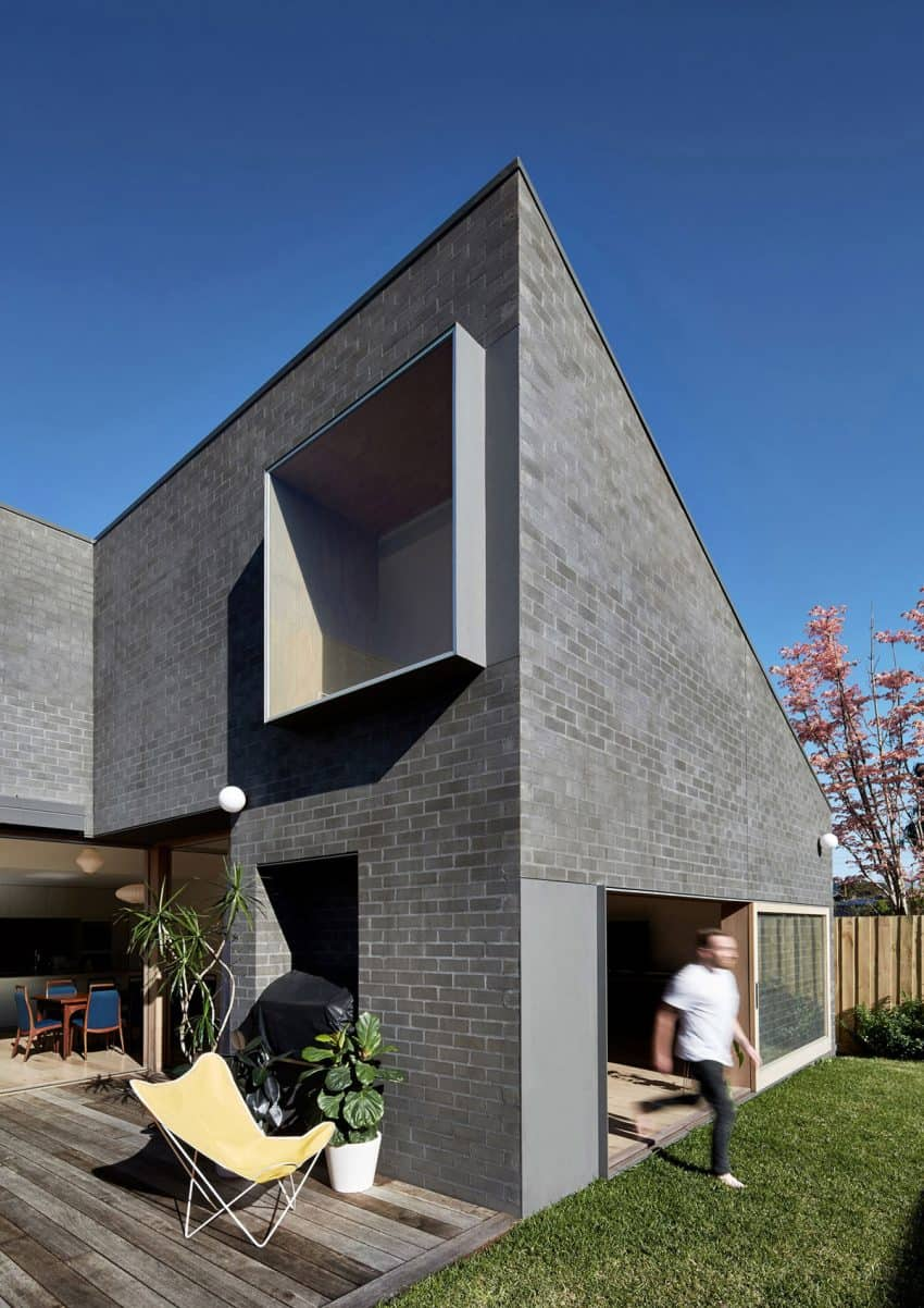 Hoddle House Remodel In Australia Re Imagines Windows And