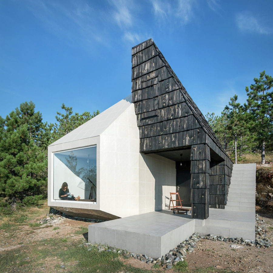 House in Divcibare by EXE studio