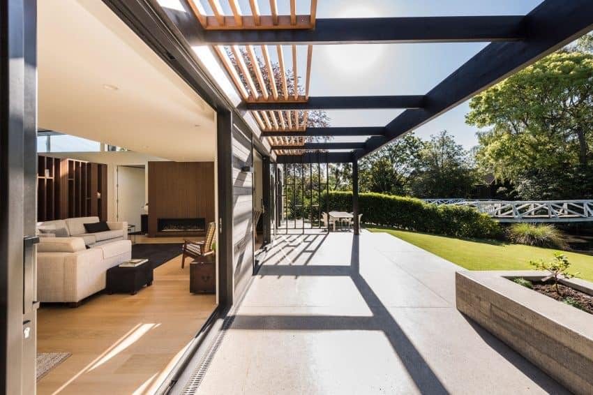 Indoor-outdoor feel is created with the help of sliding glass doors