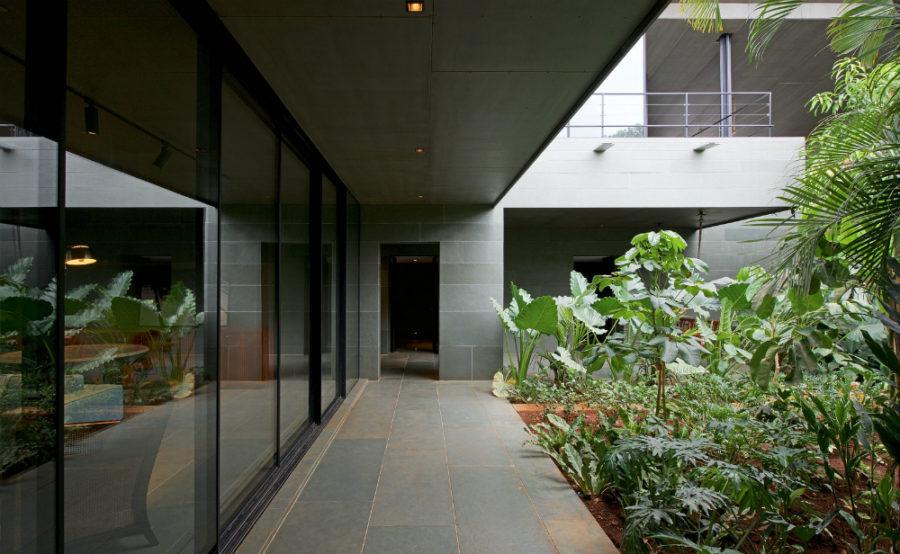 Indoor outdoor hallways are always better