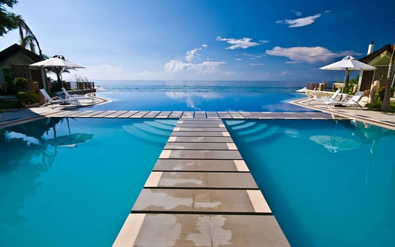 22 Incredible Infinity Pools That Are Calling Your Name