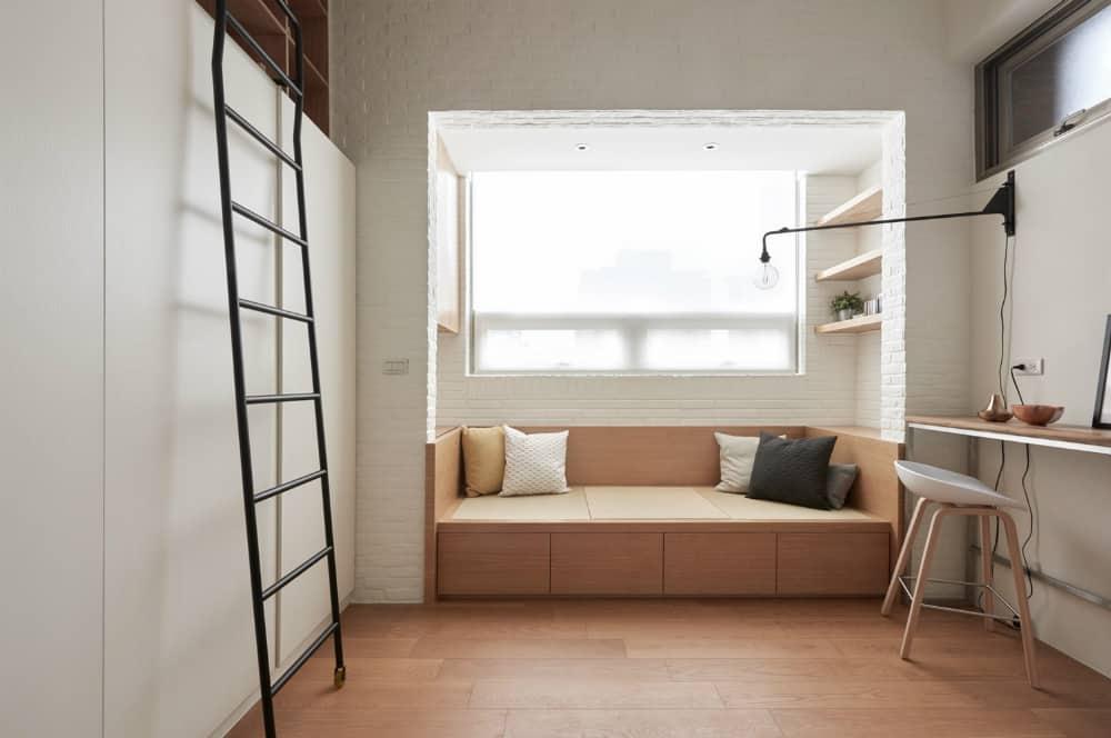 Living area alcove
