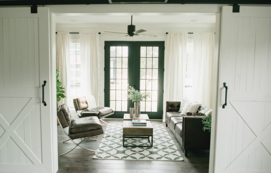 Bring some country spirit to your home with interior barn for Living room doors