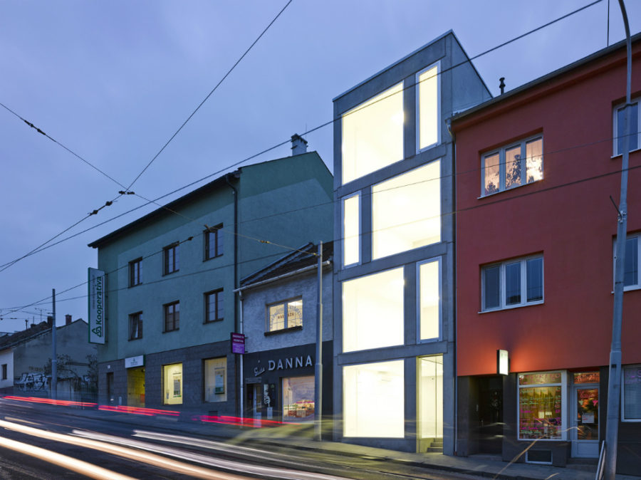 Mixed Use House by Makovský & partners