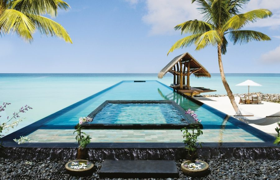 One & Only Reethi Rah pool