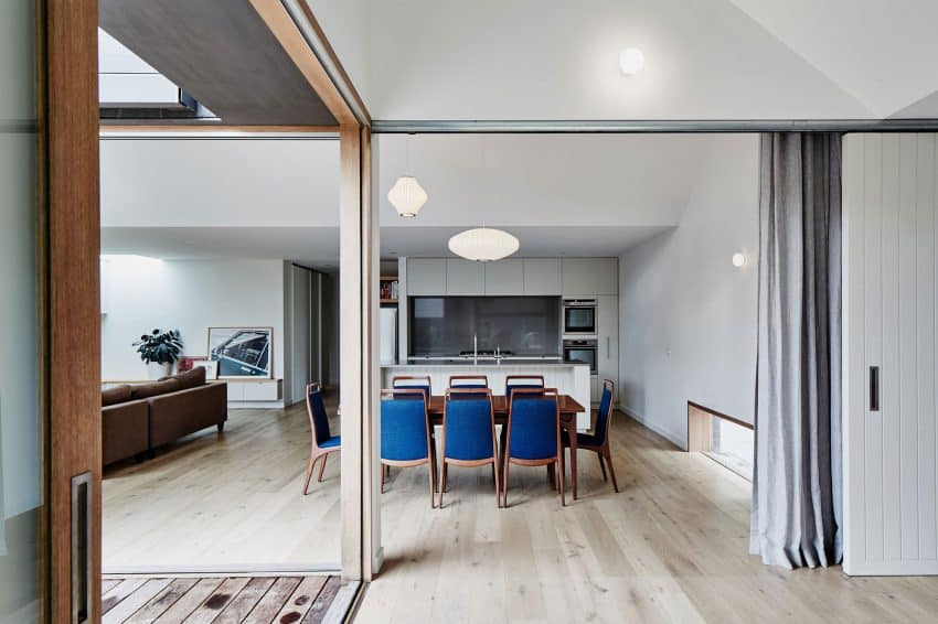 Open layout can be regulated with curtains and sliding walls
