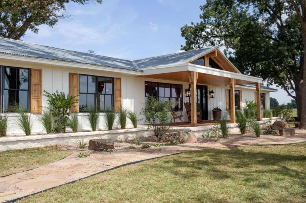 Ranch house remodel by Fixer Upper's Chip and Joanna