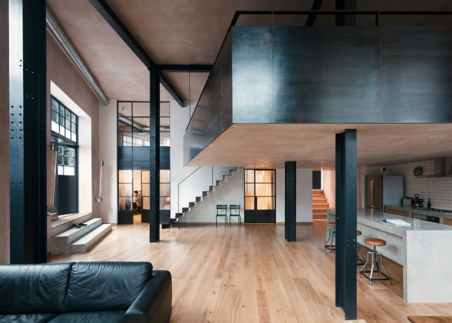 Warehouse conversion by Sadie Nelson Architects