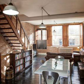 The Got To Style For Converted Warehouses Is Chic Or Rustic Allure Somehow These Two Look Best In Sprawling Living Es Of Former