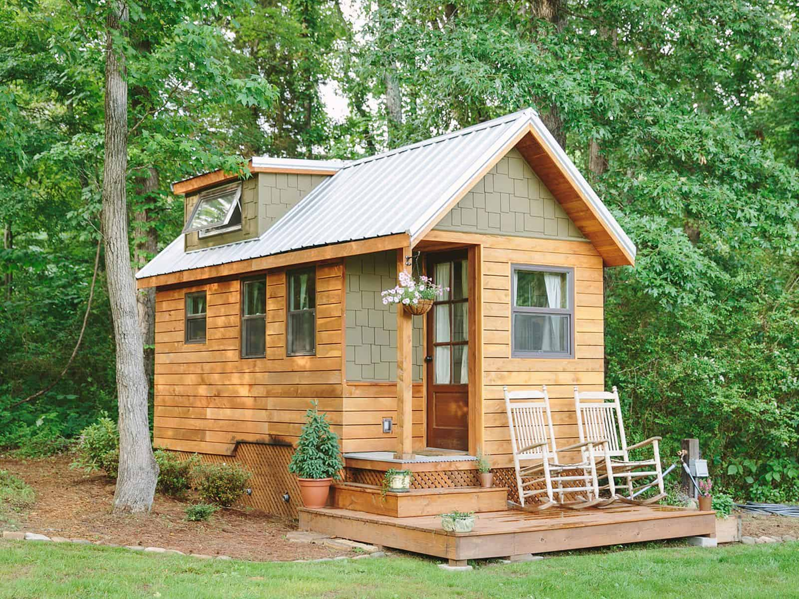 Small tiny house cottage with only 204 square foot