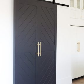 Sophisticated barn door 285x285 Bring Some Country Spirit to Your Home With Interior Barn Doors