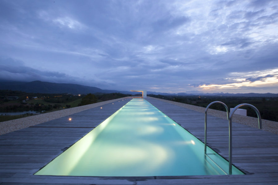 Weekend House with a lap pool by Shinichi Ogawa & Associates