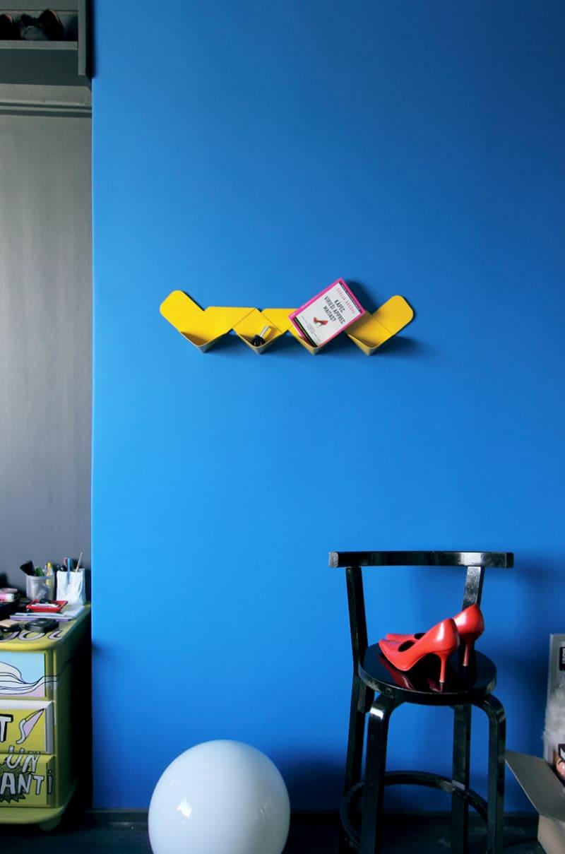 Wow shelf by Variant Studio