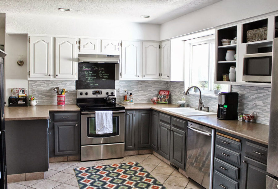 35 Two-Tone Kitchen Cabinets To Reinspire Your Favorite Spot In The ...