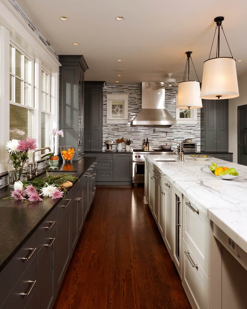 two-tone-kitchen-cabinets-Transitional-Kitchen-Colour-Schemes-Chicago