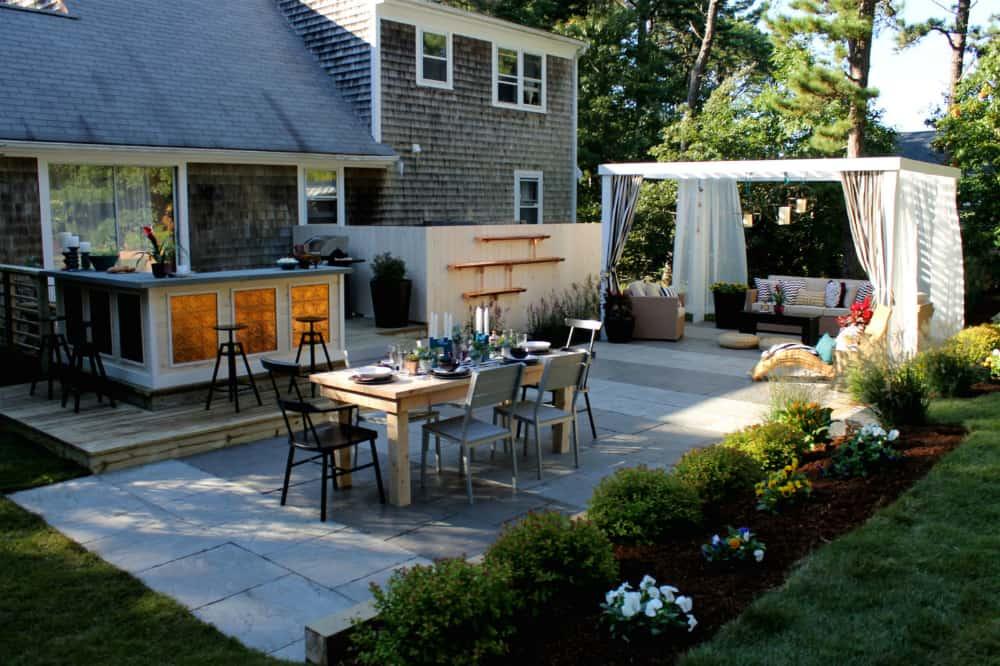 Backyard kitchen and dining
