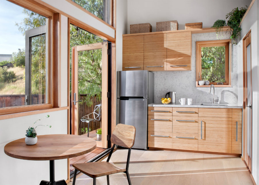 Flat-pack house kitchen and dining