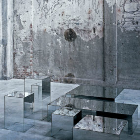 Glass coffee table Illusion by Glas Italia 285x285 See Your Face in Every Surface with Mirrored Furniture