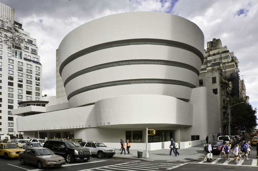 Guggenheim Museum in New York 900x599 Modernist Architecture: 30 Stunning Examples